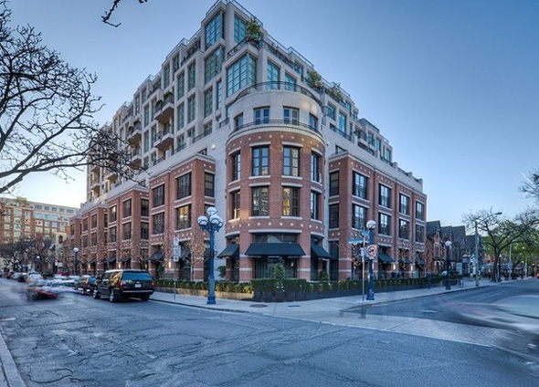 Luxury - 118 Yorkville Ave