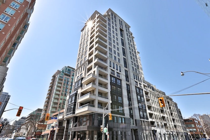 Luxury - 68 Yorkville Ave