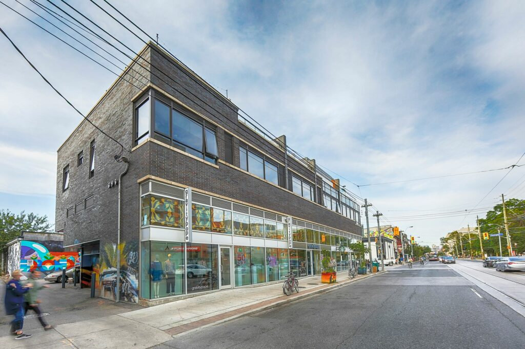 2 Ossington Ave