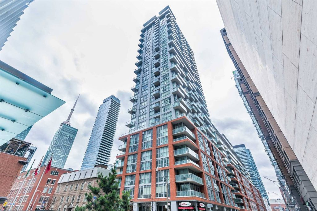 Queen West - 126 Simcoe St
