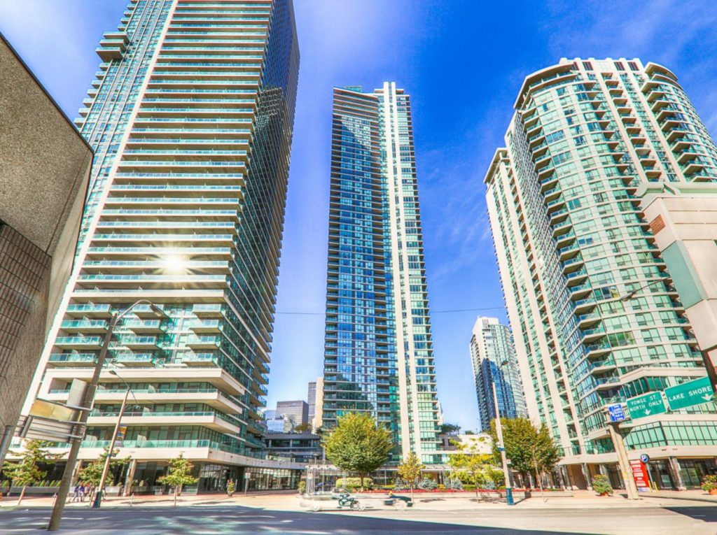 Downtown Core Waterfront - 16 & 18 Harbour St