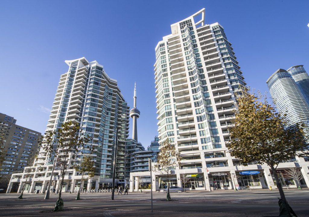 Downtown Core Waterfront - 228 & 230 Queens Quay W