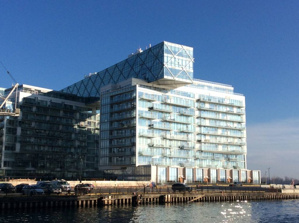 Downtown Core Waterfront - 25 Queens Quay E
