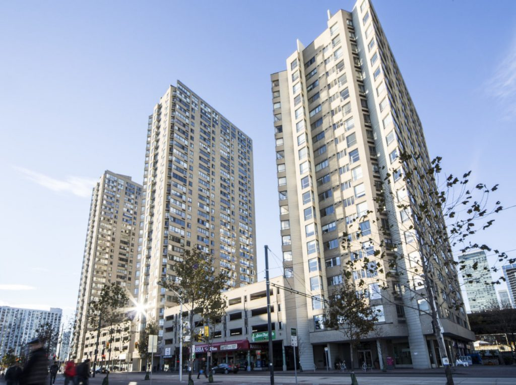Downtown Core Waterfront - 250 Queens Quay W