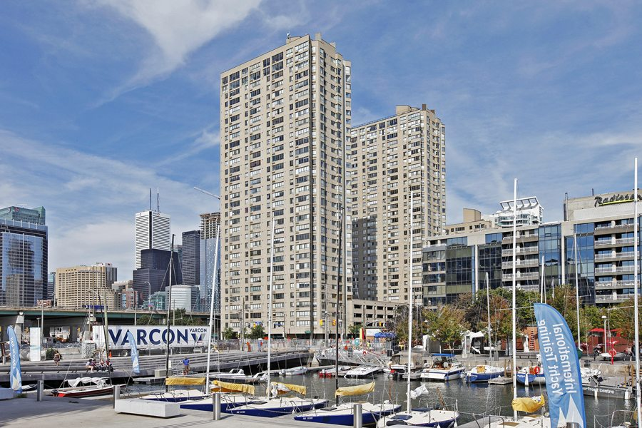 Downtown Core Waterfront - 270 Queens Quay W