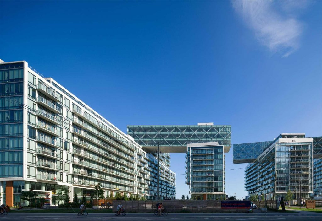 Downtown Core Waterfront - 29 Queens Quay E