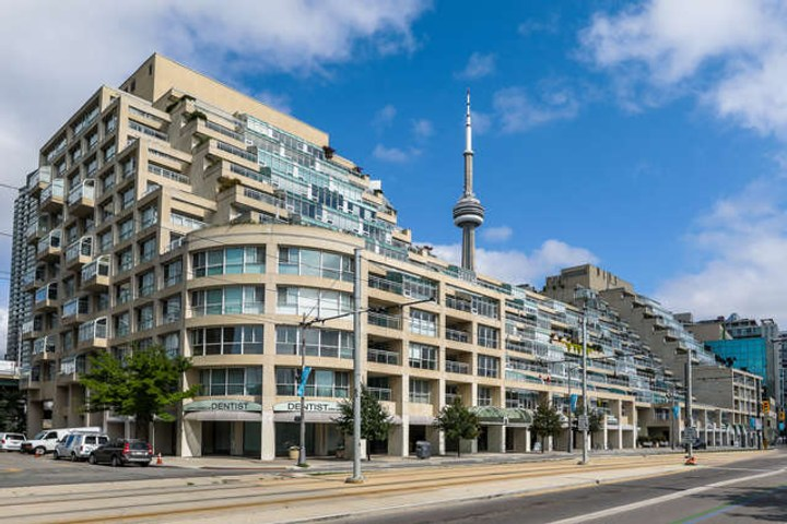 Downtown Core Waterfront - 460 Queens Quay W