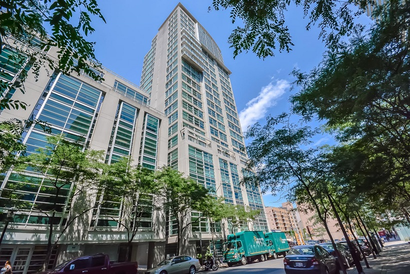Downtown Core Waterfront - 50 Lombard St