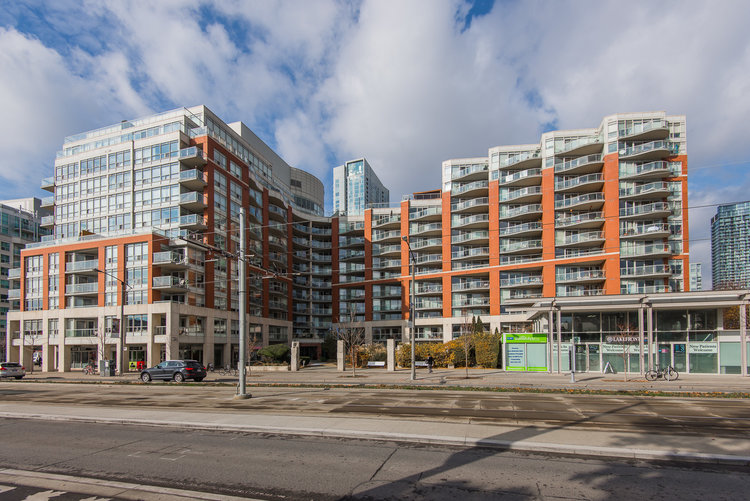 Downtown Core Waterfront - 550 Queens Quay W